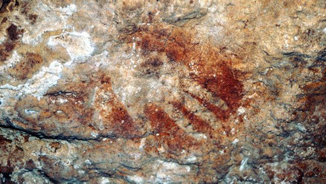 Luis Salaya considera que la apertura a las visitas de la Cueva de Maltravieso es una gran noticia para la ciudad y para el barrio de Llopis-Ivorra